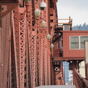On my last day in Portland, since the convention was over, I spent the day wandering around the city, photographing bridges and the like. I'd never walked across the Broadway Bridge before, so that's where I headed first.